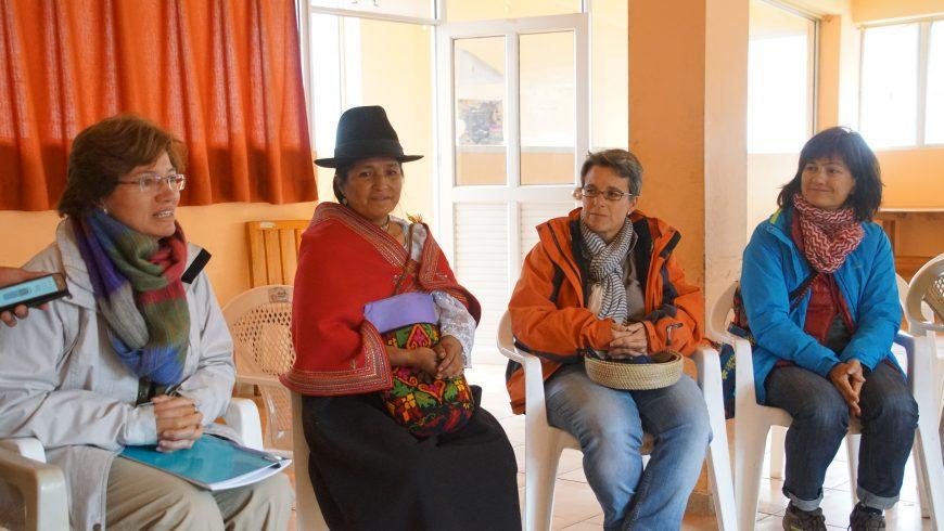 Ana Palacios, coordinadora del Grupo Territorial de Fiare en Navarra, viaja con Microfides